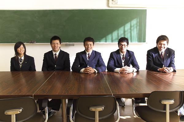 右か田村主将、李副首相、吉田バックスリーダー、角田フォワードリーダー、マネージャ山本さん